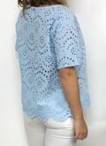 blusa azul calada