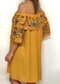 vestido mostaza con volante de flores