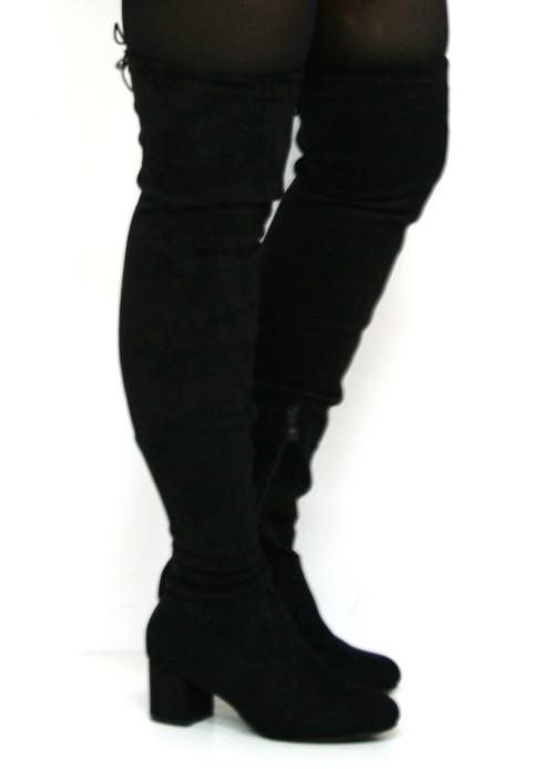 bota mosquetera de antelina en color negro